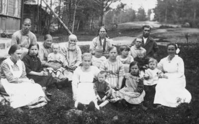 Tutkijat popularisoivat Suomen ja Karjalan historiaa