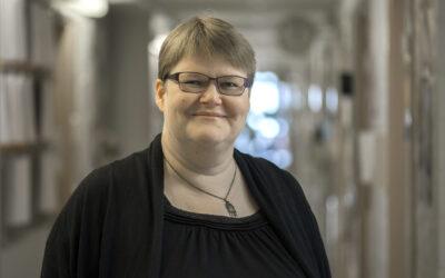 Helka Riionheimo: Karjalazet tahtotah kehittiä omua kieldy yhtes
